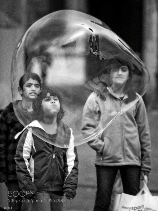 "Bunch of kids having fun with soap.  <a href=""http://nightgrain.tumblr.com/"">Photoblog</a>"