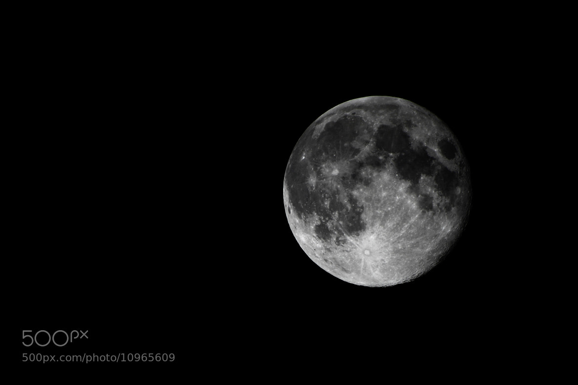 Photograph the full moon by Dario Bassi on 500px