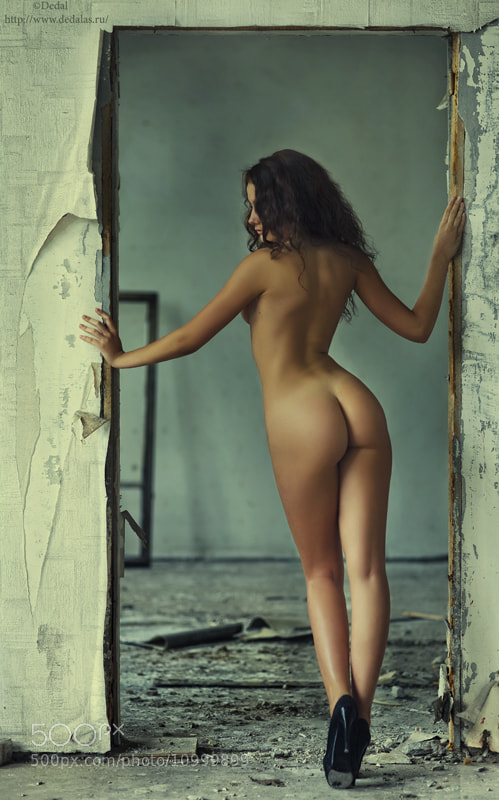 Photograph The girl in an aperture of doors by Vladimir Dedal Larionov on 500px