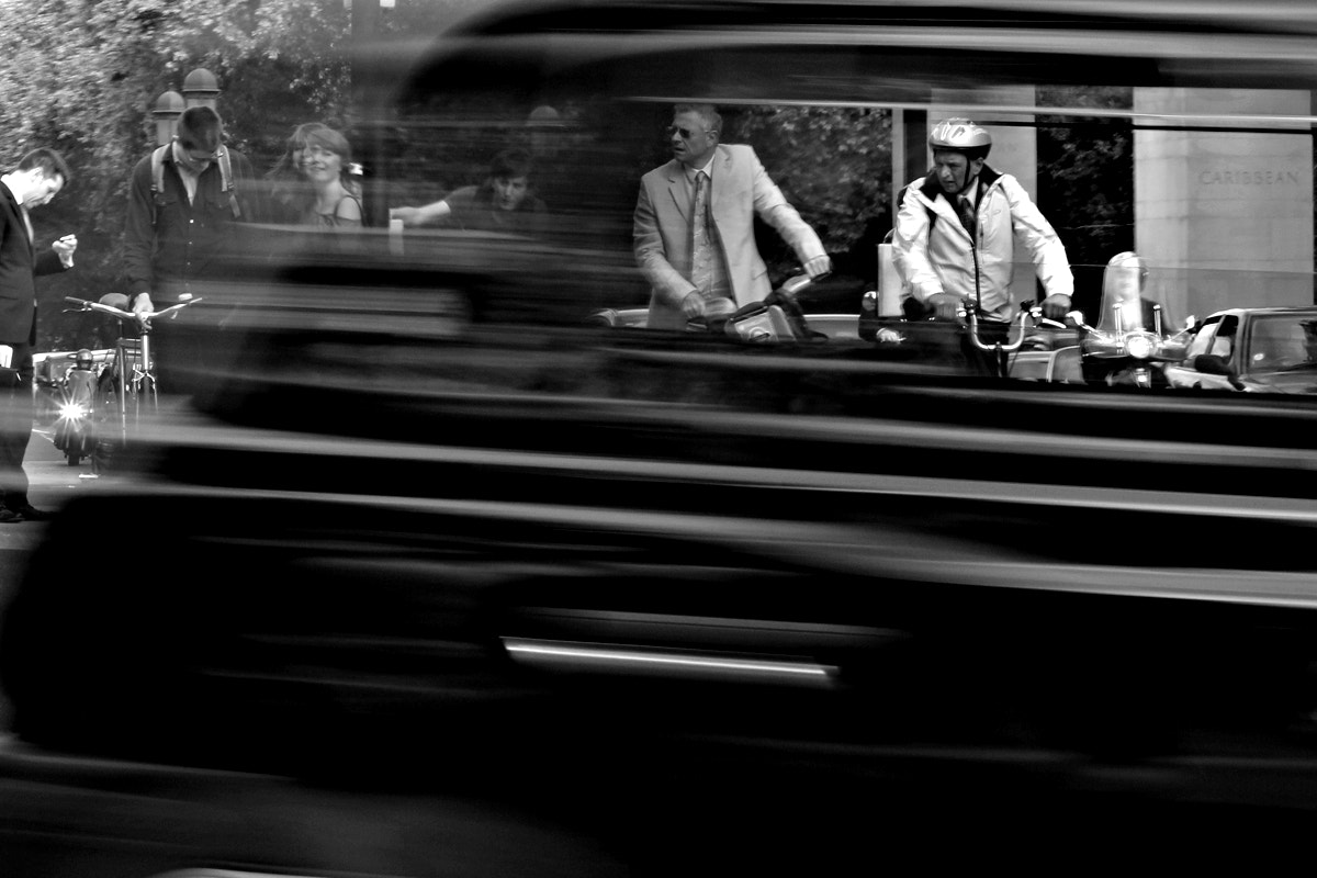 Photograph waiting to cross by Hegel Jorge on 500px
