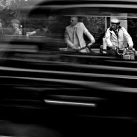 waiting to cross by Hegel Jorge (HegelJorge)) on 500px.com