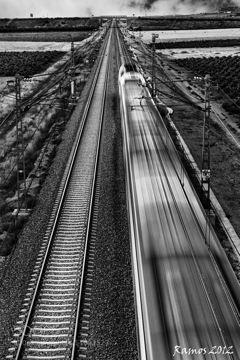 Photograph Velocidad by Victor Ramos on 500px