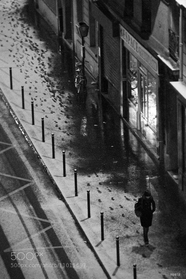 "Rue Boursault, Paris. A long road to cross with that snow...   <a href=""http://nightgrain.tumblr.com/"">Photoblog</a>"