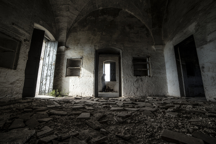 The sense of abandonment by Ciro Santopietro on 500px.com