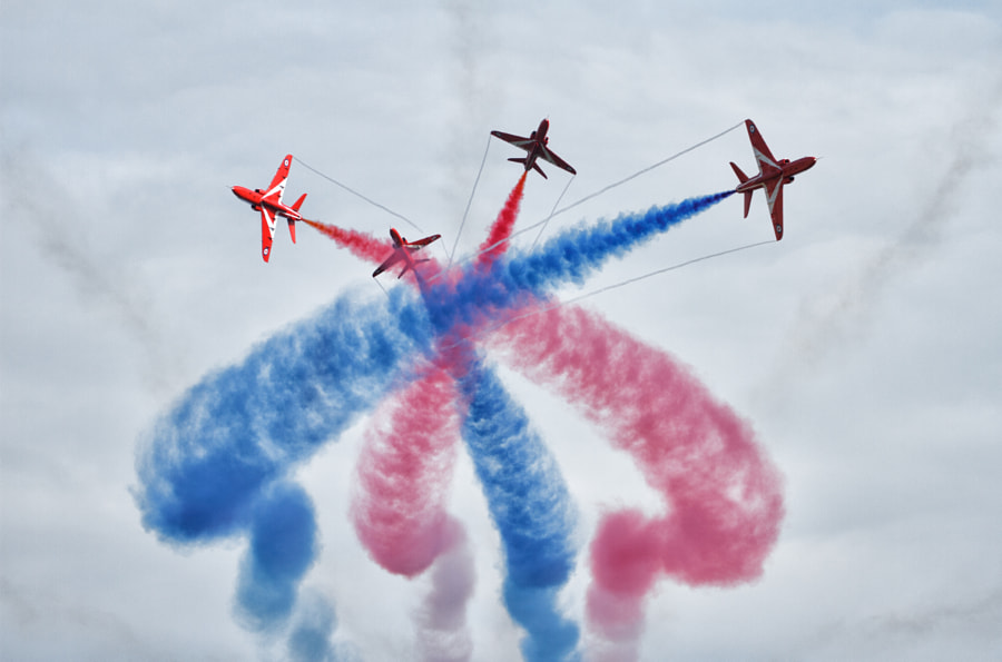 The Detonator - Red Arrows