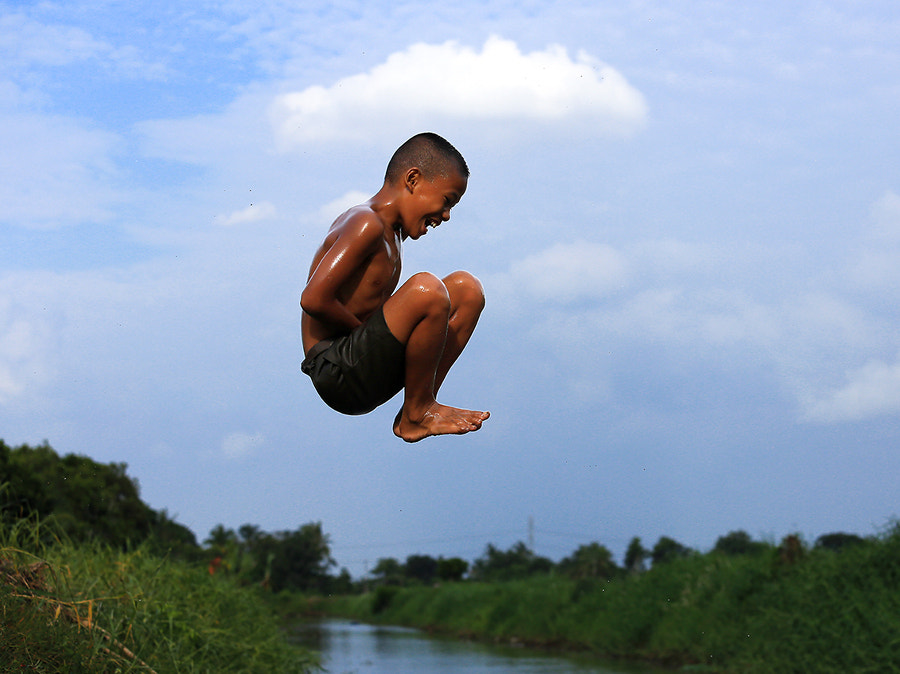Photograph levitating by Prachit Punyapor on 500px