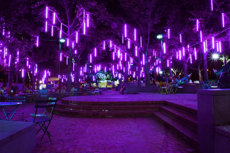 Purple Lights at Spruce Street Harbor Park. by enrhoads on 500px.com
