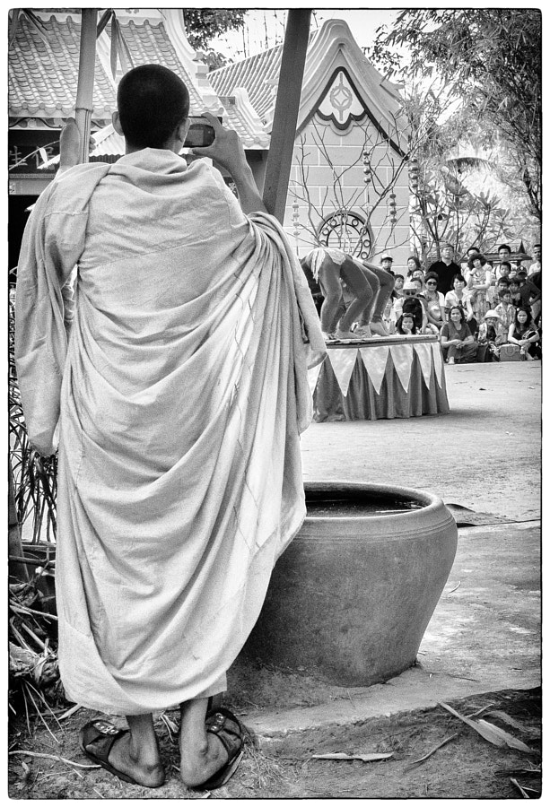 Photograph Monk with a camera phone by Rodolfo Quevenco on 500px