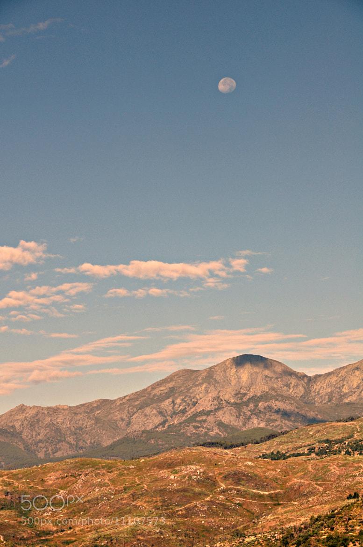 Photograph Luna en Gredos by Mercedes Salvador on 500px