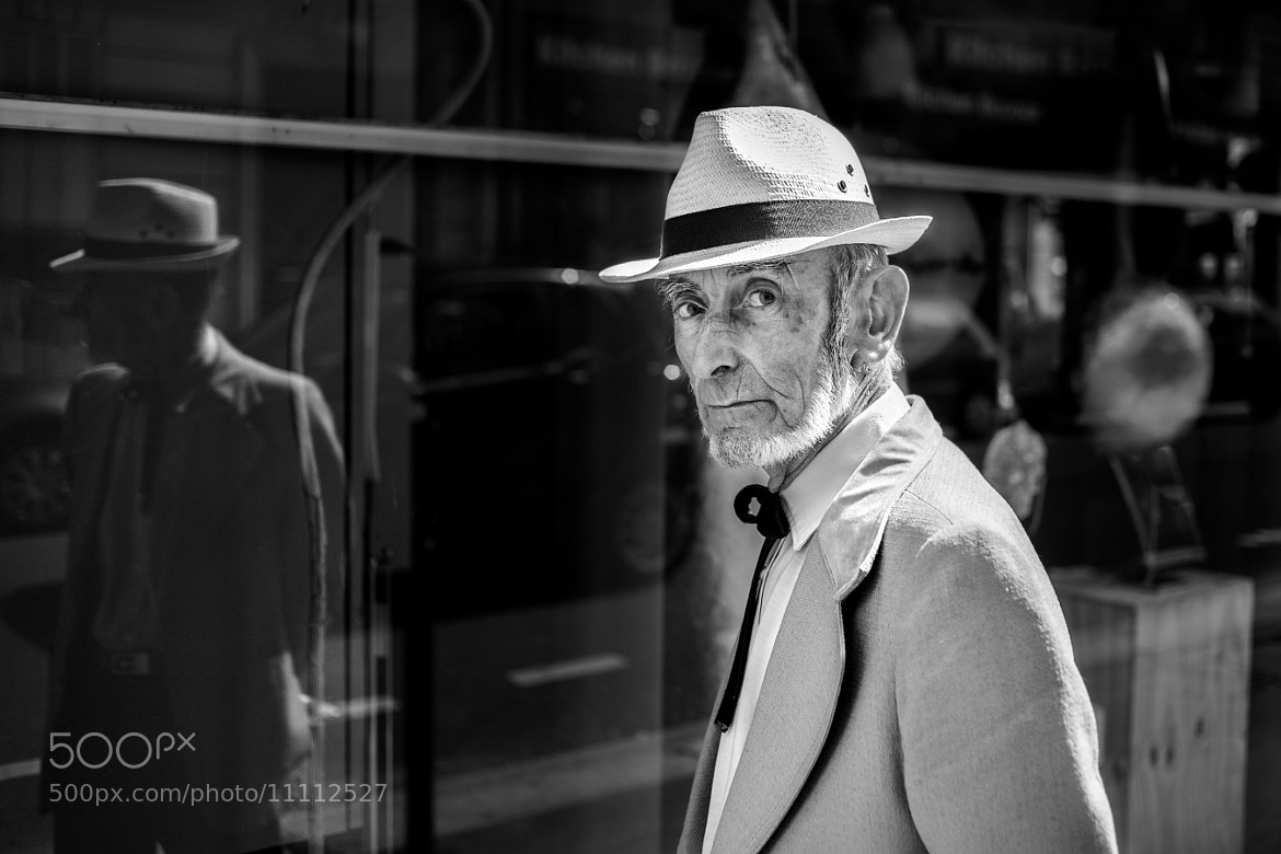 Photograph Le chapeau de paille by Christophe Debon on 500px