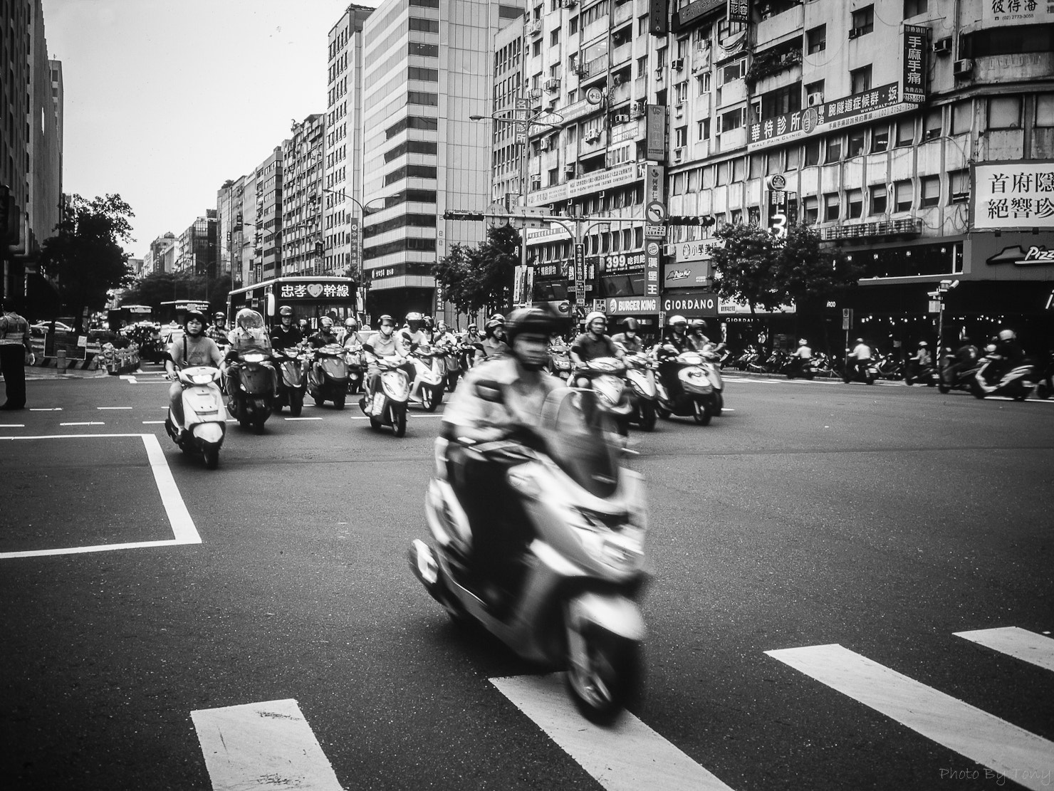 Photograph rush hour in Taipei by Tony Tu on 500px