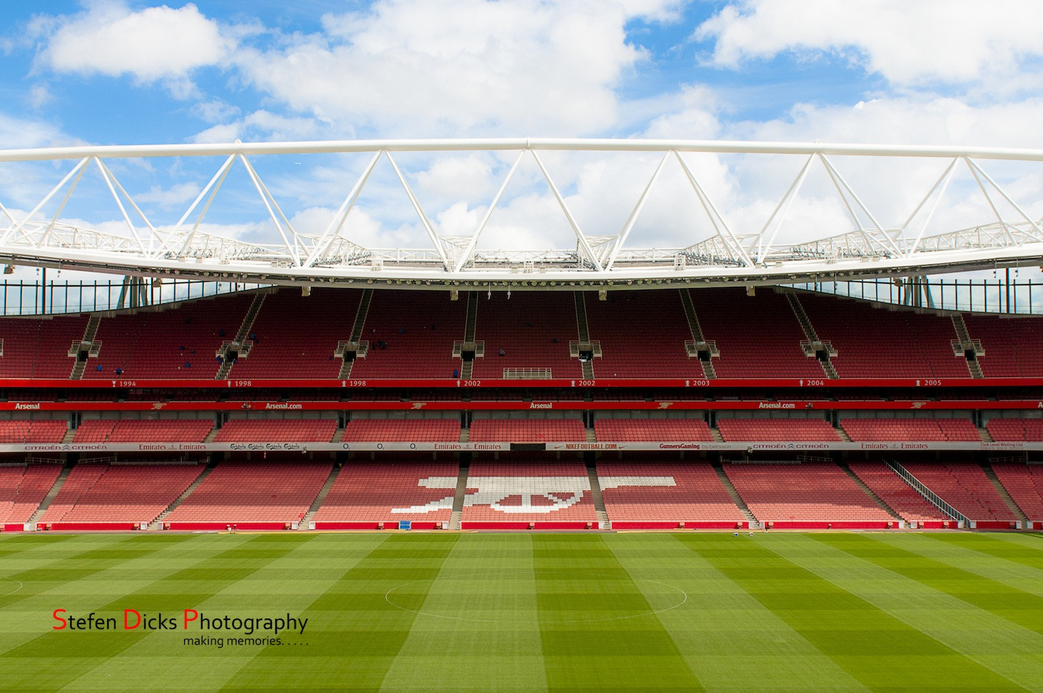 Photograph The Emirates Stadium, London. by Stefen Dicks on 500px