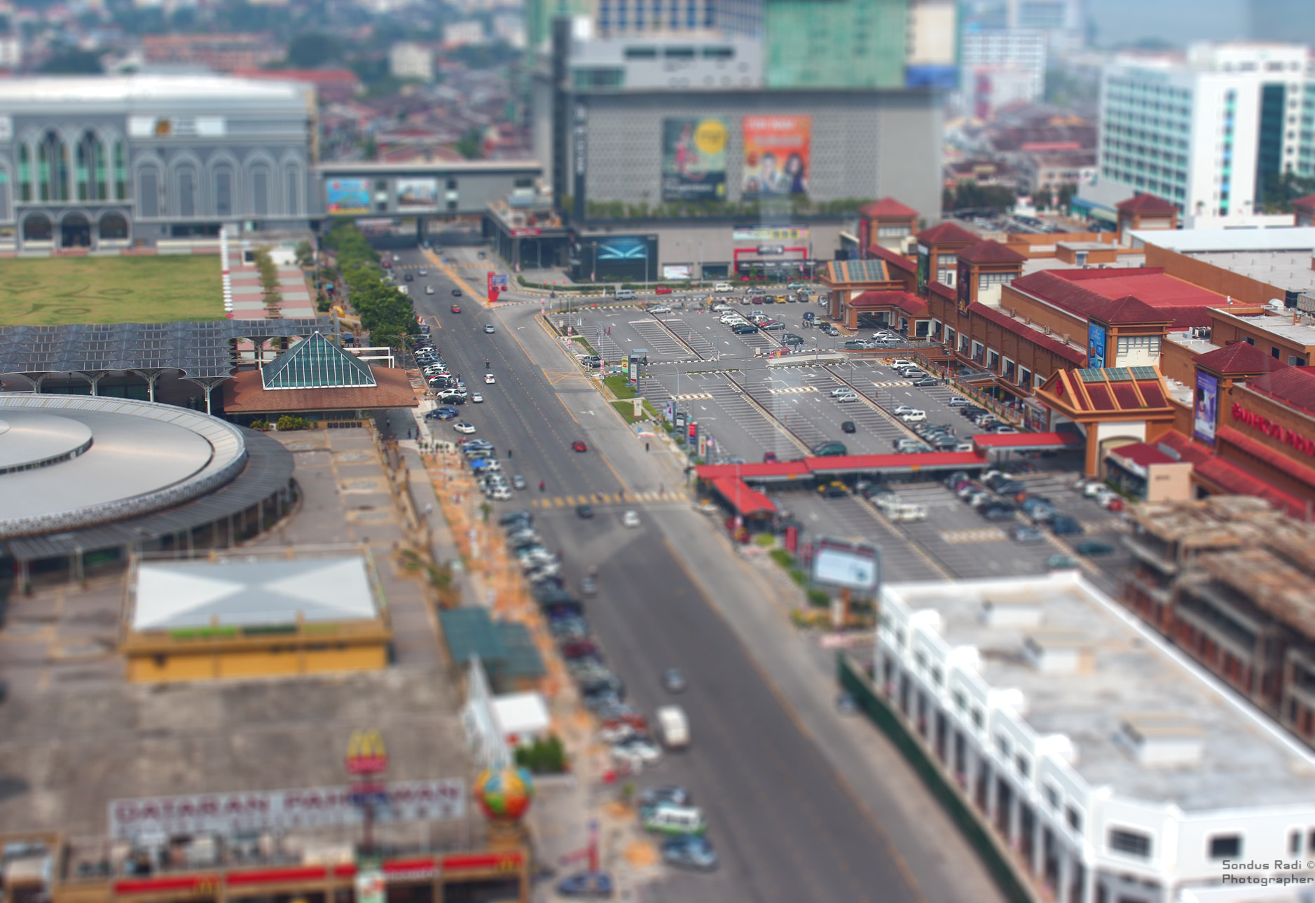 Photograph Tilt Shift effect by Sondus Radi on 500px