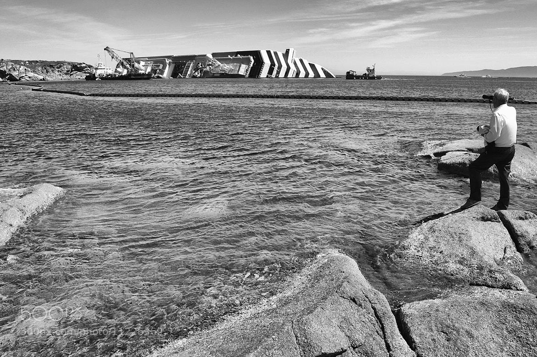 """Photograph La fine della """"Concordia""""  by Marilena Borriero  on 500px"""