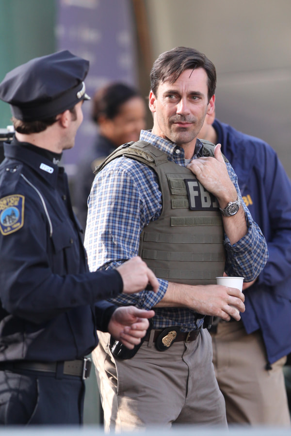 Jon Hamm on set in Boston for the Town.
