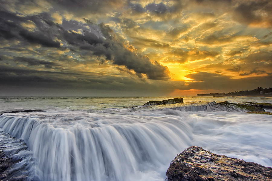 Photograph flows by Bigg Shangkhala on 500px