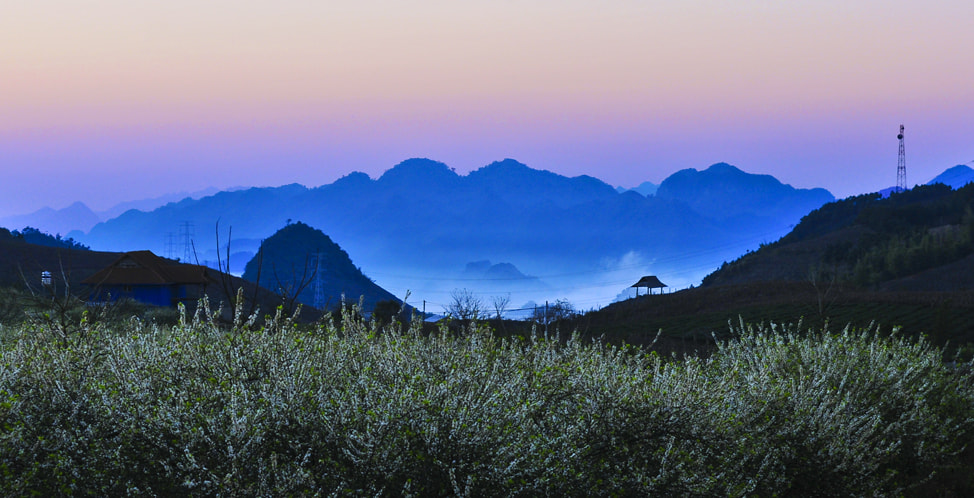 Photograph Mountainous twilight by Ha Nguy on 500px