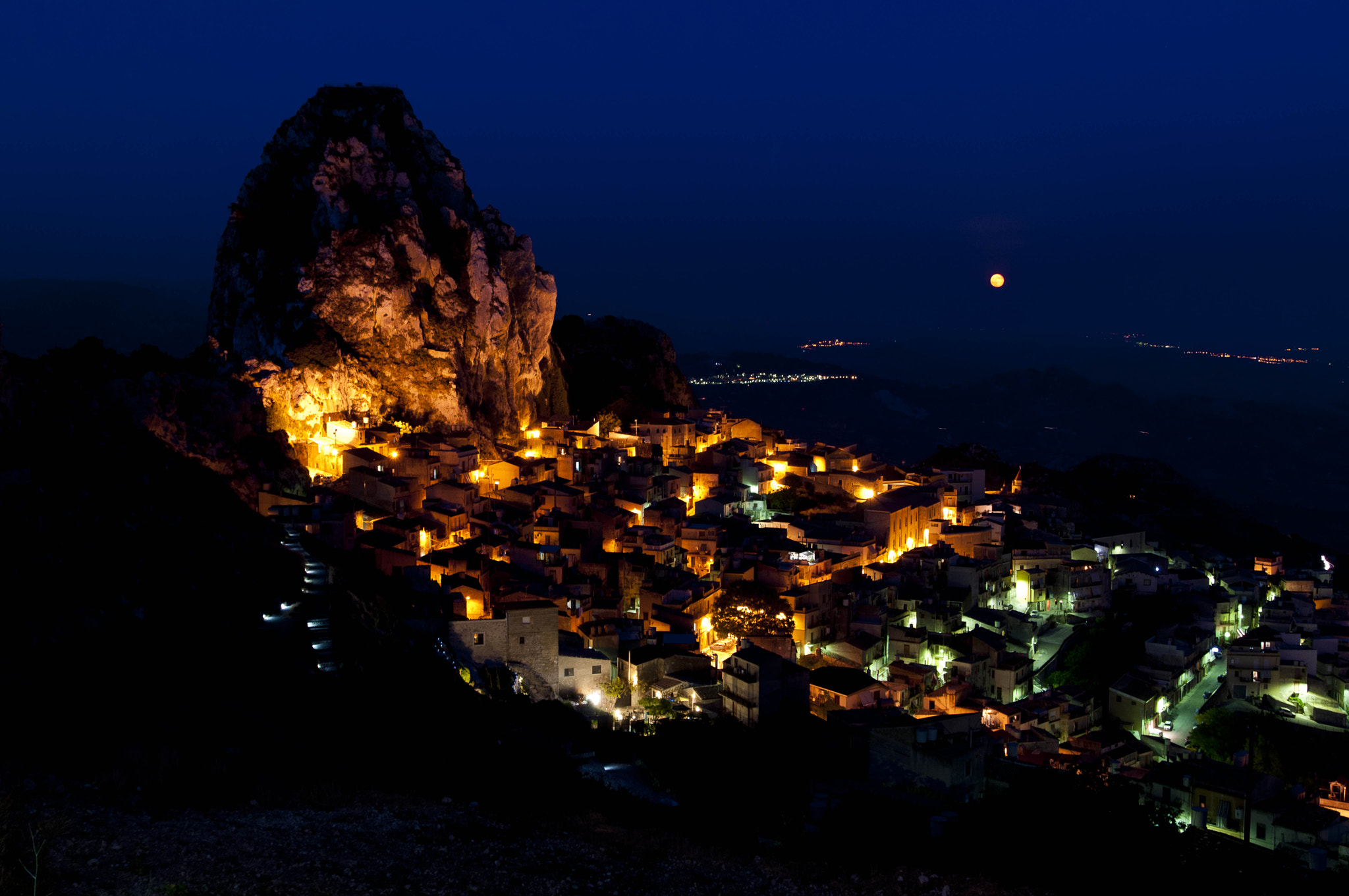 Photograph Caltabellotta in the night by Francesco Zappalà on 500px