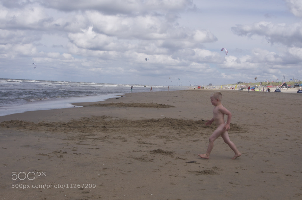 Photograph Pinky Boy Heads to North Sea by Blindman shooting on 500px