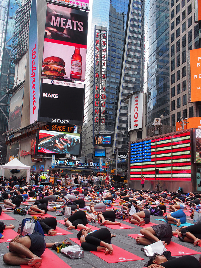 Photograph Times Square Yoga by Nancy Lundebjerg on 500px