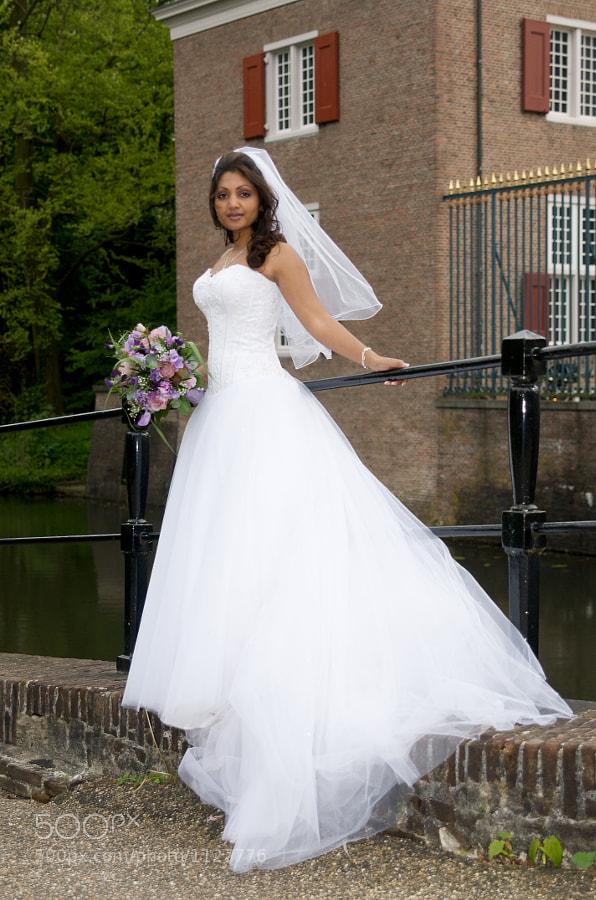 Bride on bridge at Slot Zeist (Utrecht, Netherlands)