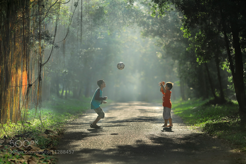 Photograph Play with my brother by JD Ardiansyah on 500px