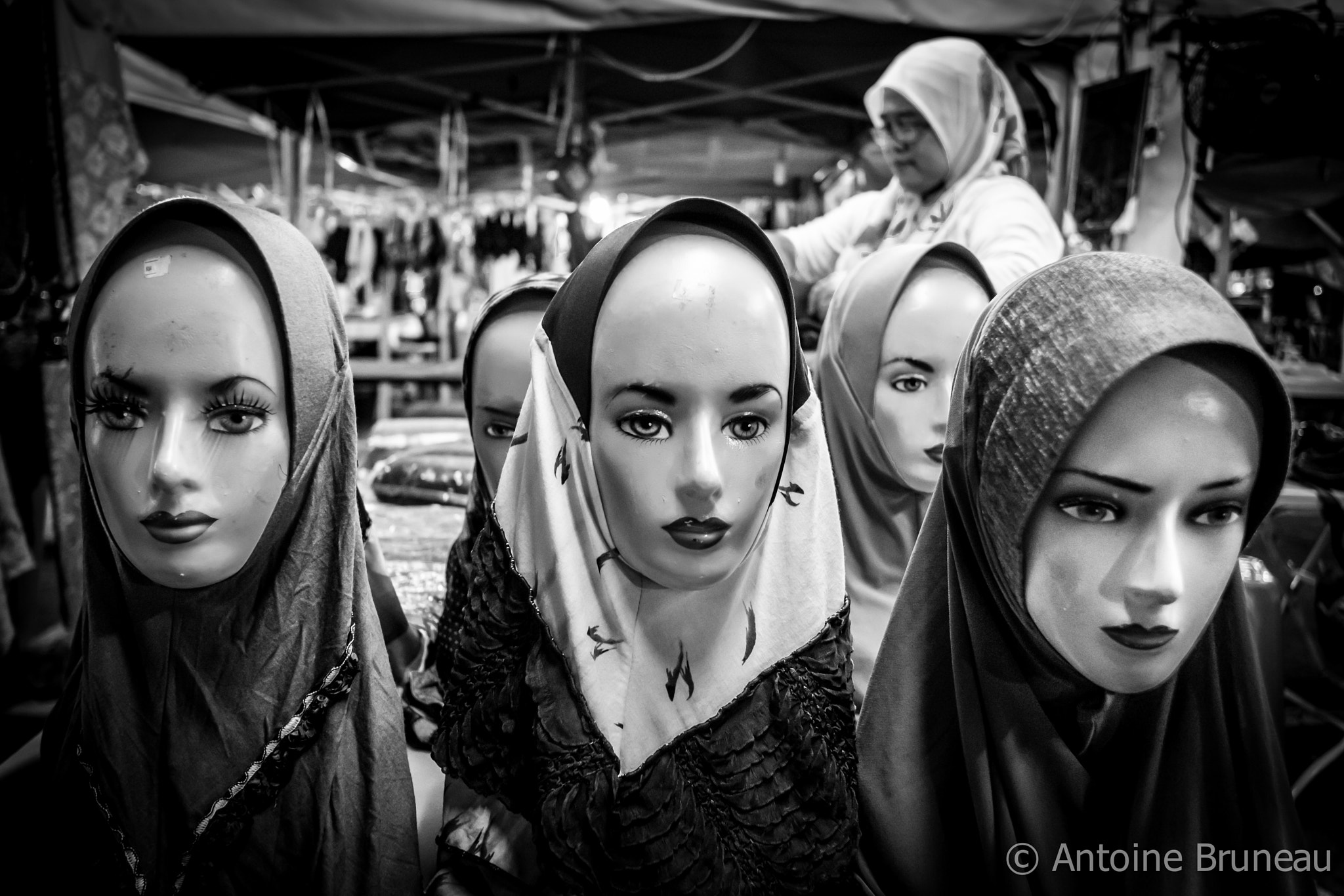 Photograph Shoppping 4 Shawls by Antoine BRUNEAU on 500px