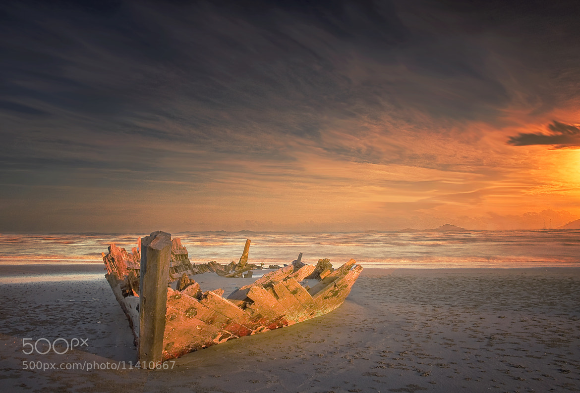 Photograph Memories of The Sea by Suhari Minggu Ningsih Soekandar on 500px