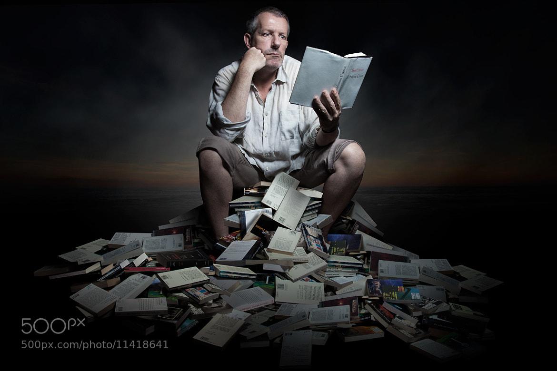 """Photograph Reading """"Robinson Crusoe"""" (Daniel Defoe) by Pierre Beteille on 500px"""