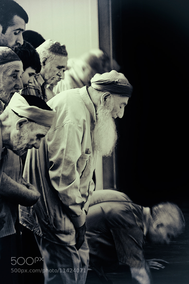 Photograph Praying at Sultan Ayup. by Saad Salem on 500px