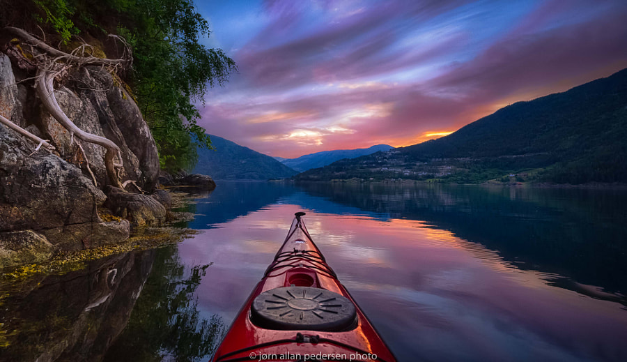 Still sitting in my kayak by Jørn Allan Pedersen on 500px.com