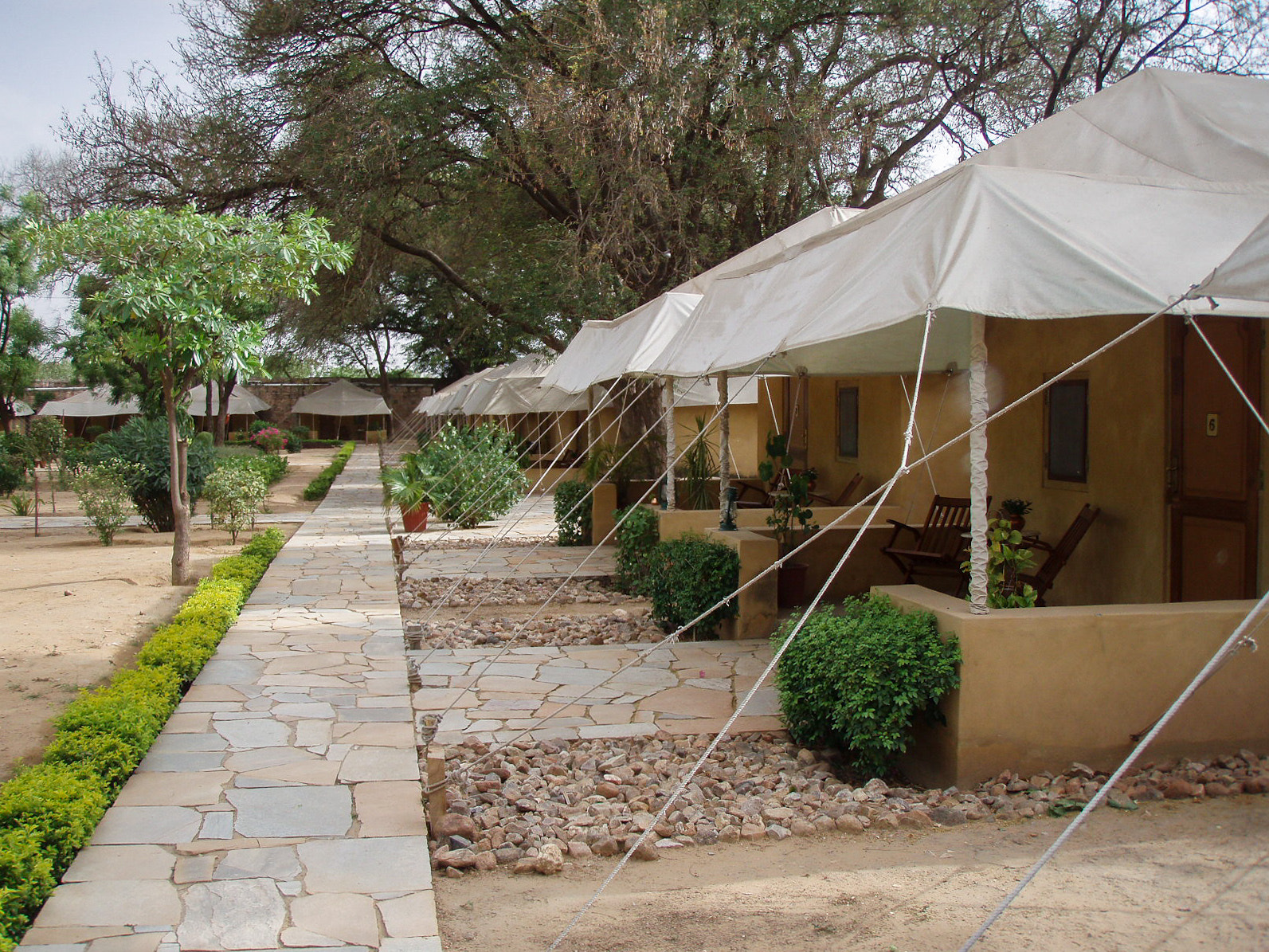 Photograph Tented camp hotel rooms in Samode Bagh by Walter Schaerer on 500px