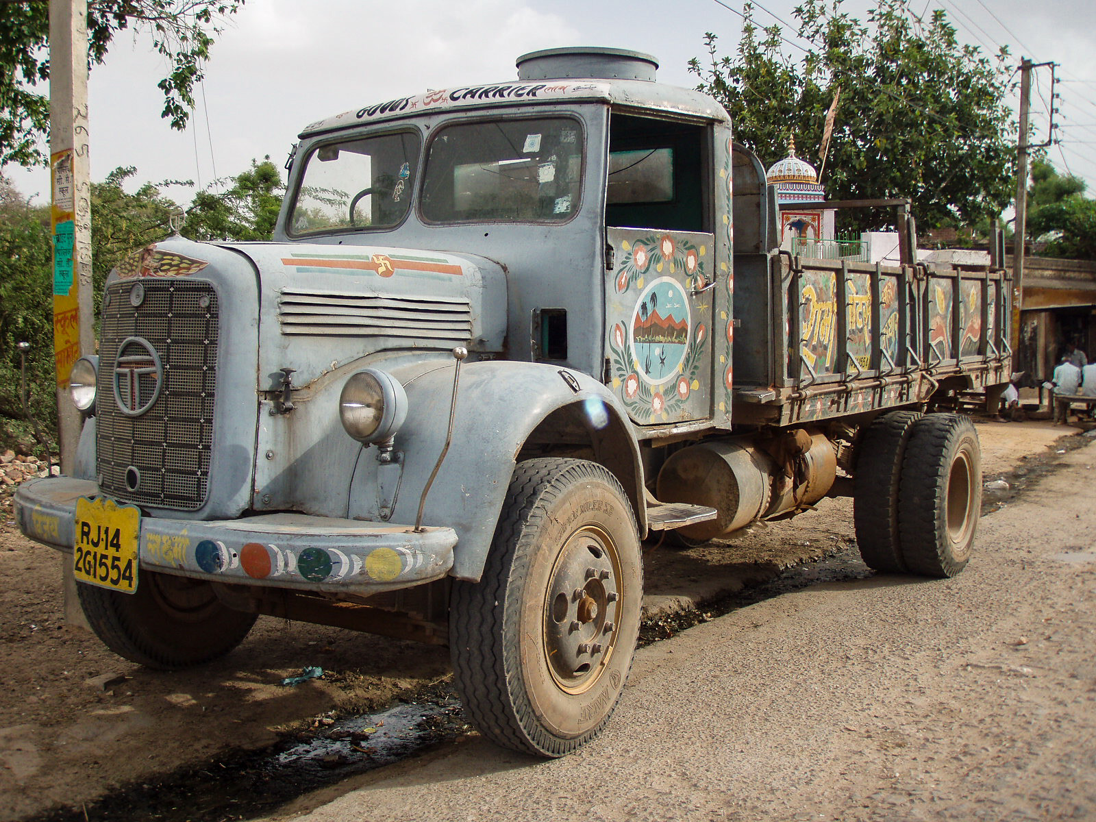 Photograph Painted truck in Rajasthan, India by Walter Schaerer on 500px