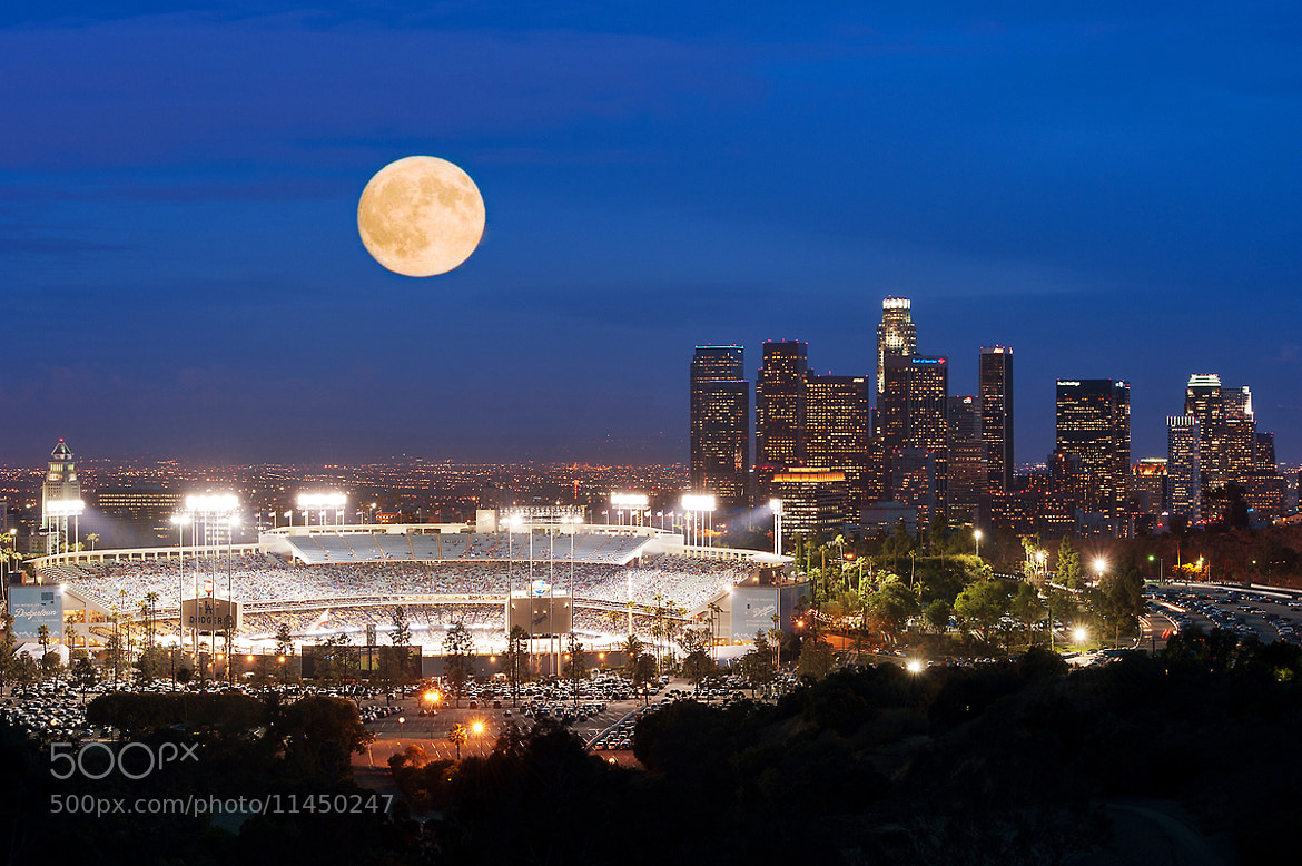 Photograph Go Dodgers! Go Blue! by Shawn Park on 500px