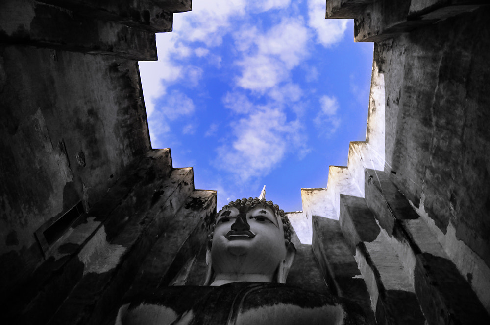 Photograph My blue sky by Jumrus Leartcharoenyong on 500px