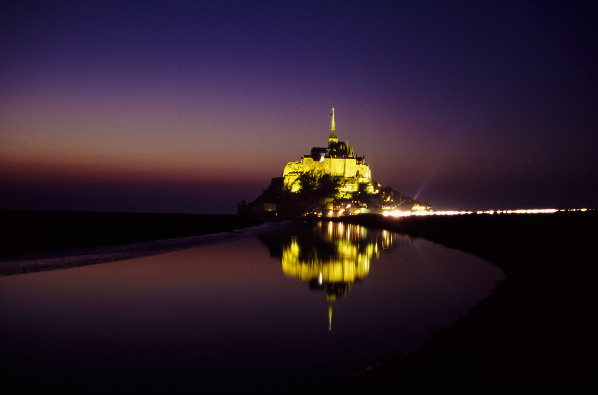 Photograph Le Mont-Saint-Michel by Joan Carbonell Tapiolas on 500px