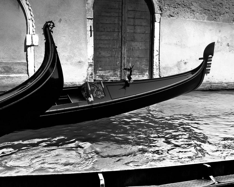 Speeding gondola