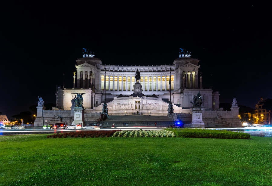 Photograph Rome by Nigth - Il Vittoriano by Daniele Florenzi on 500px