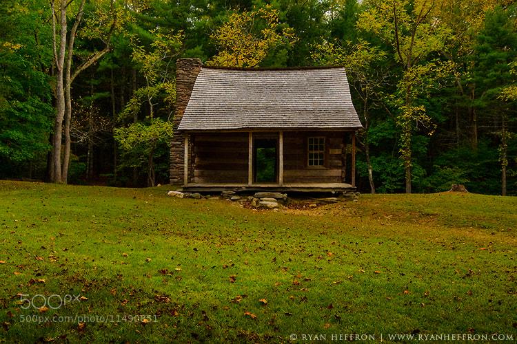 Photograph Smokey Mountians Cabin by Ryan Heffron on 500px