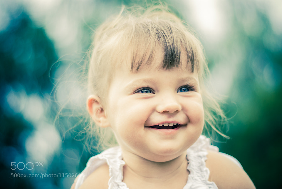 Photograph Laura's smile by Rafał Makieła on 500px
