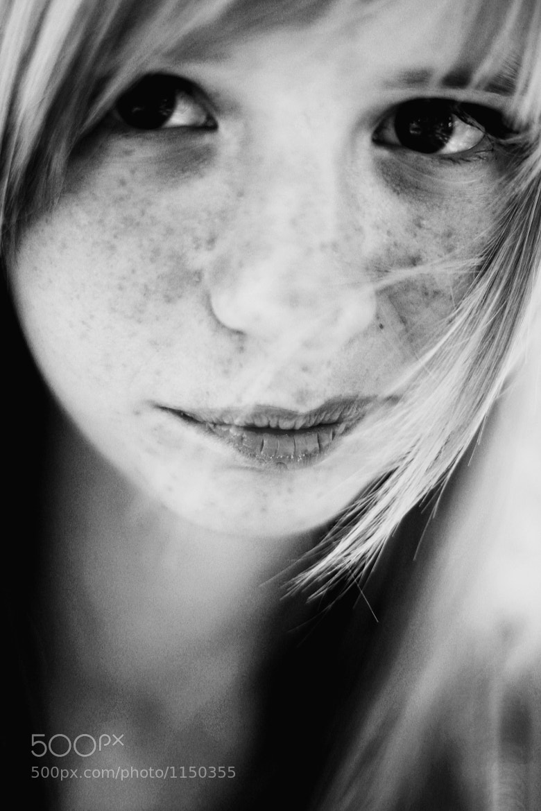 Photograph beauty of freckles by Rocío  del matí on 500px