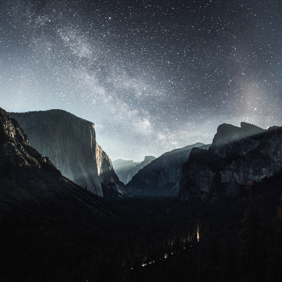 tunnel view. milky way. yosemite. california. I had a staring contest with a cougar 2 minutes before by Tanner Wendell Stewart on 500px.com