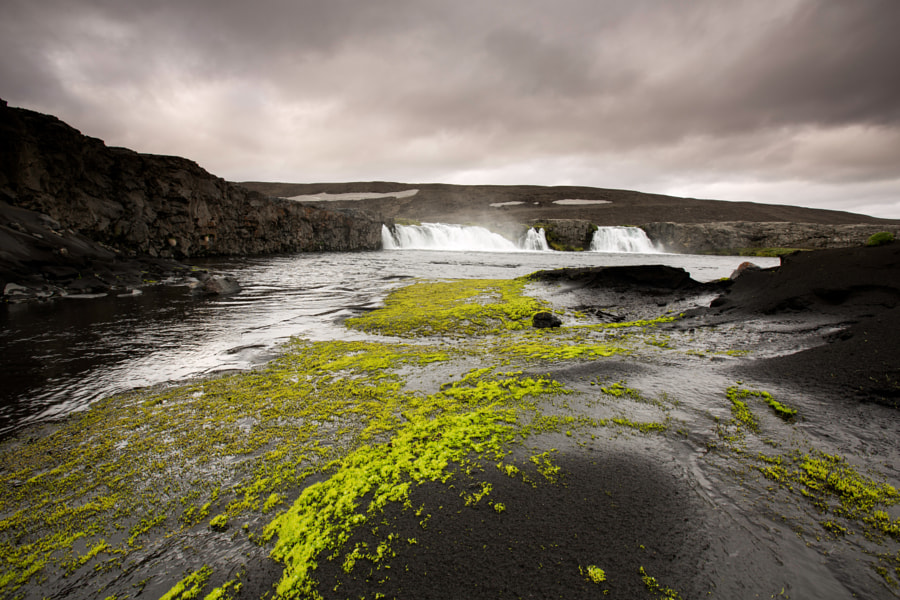 The waterfall in the middle of nowhere by Tómas Freyr Kristjánsson on 500px.com