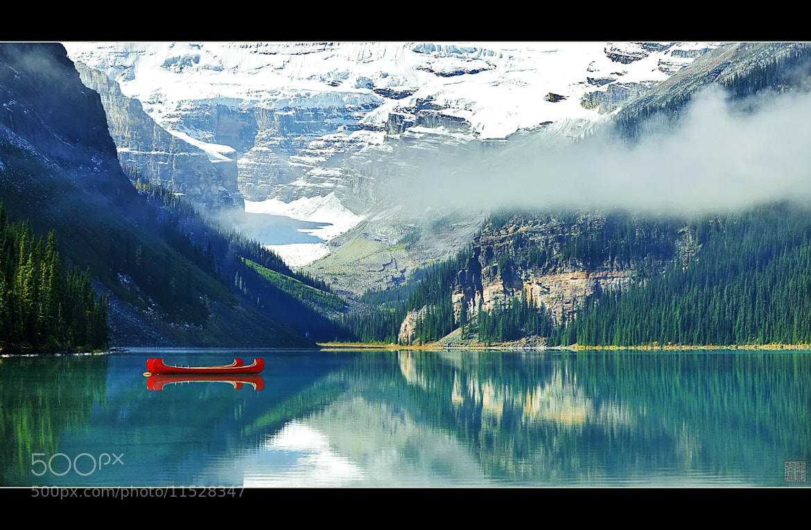 Photograph Couple on Lake Louise by Vu Le on 500px