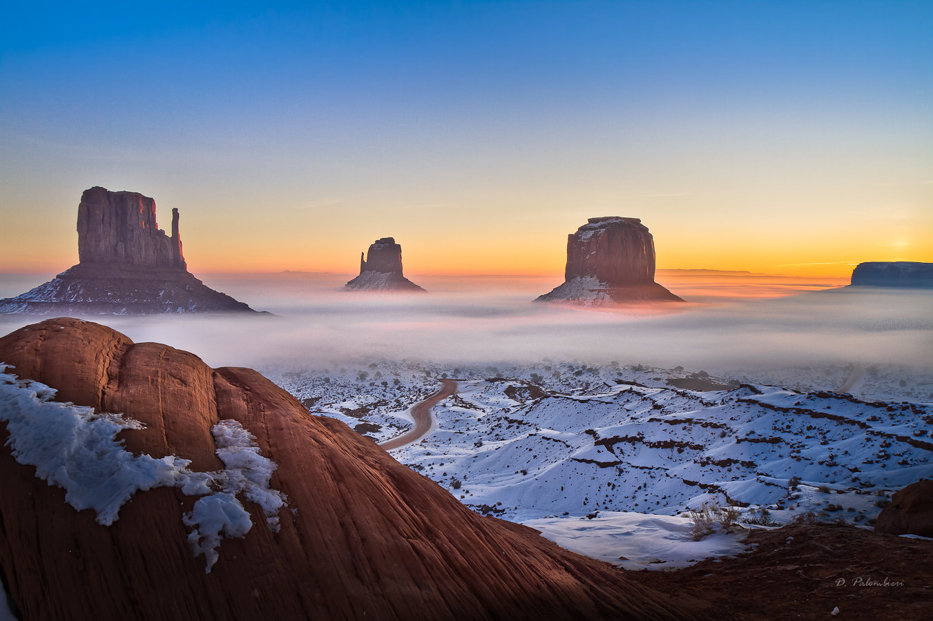 Photograph Sunrise in Monument Valley - Arizona by Dominique  Palombieri on 500px