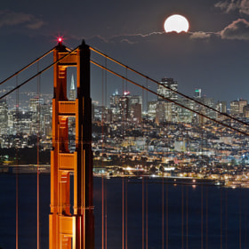 Golden Gate Bridge - Fullmoon - San Francisco - CA by Dominique  Palombieri (dompix) on 500px.com