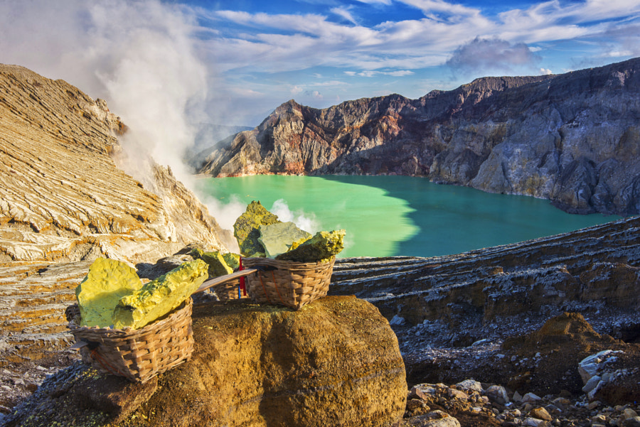 The Sulfur and The Crater by Kristianus Setyawan on 500px.com