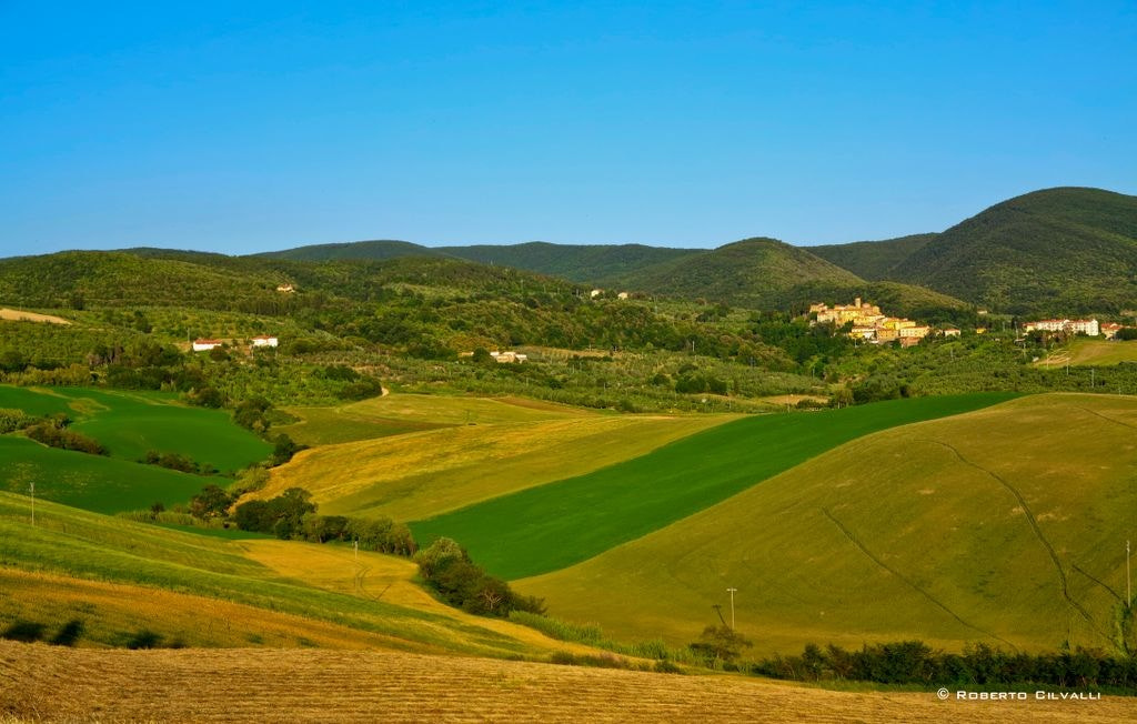Photograph Green hills by Roberto Cilvalli on 500px