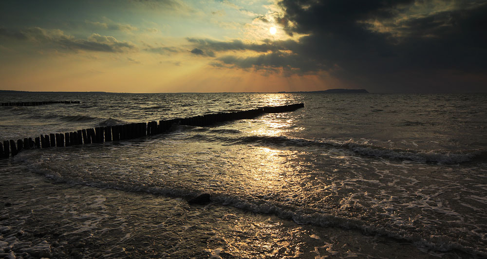 Photograph waves by Andreas Hein on 500px