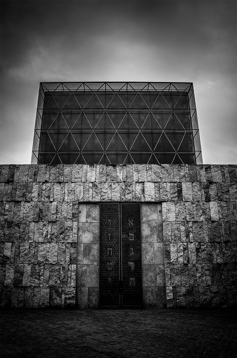 Photograph synagogue/munich by Chris Maven on 500px